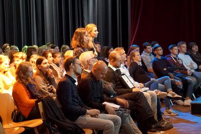 Schülerfragen bei der Podiumsdiskussion