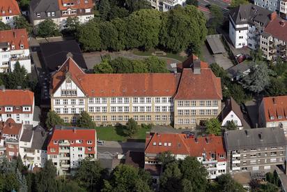 Luftbild der Backhausschule