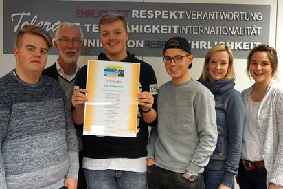 Übergabe der Fairtrade School Urkunde